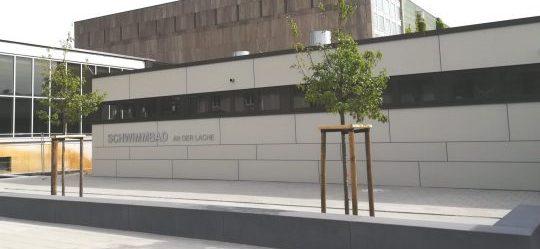 Lachebad in Rüsselsheim Außenansicht- Fassadenarbeiten durch Vorndran Metallbau GmbH  Co KG - Bild mit freundlicher Genehmigung der Stadt Rüsselsheim