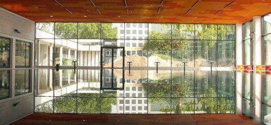 Lachebad in Rüsselsheim Innenansicht- Fassadenarbeiten durch Vorndran Metallbau GmbH  Co KG - Bild mit freundlicher Genehmigung der Stadt Rüsselsheim